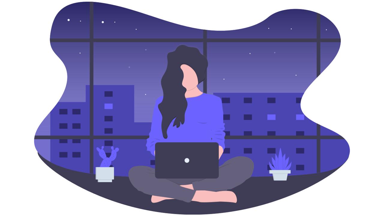 女性 パソコン 夜